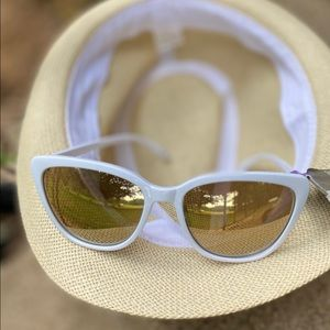 😎FOSTER GRANT sunglasses